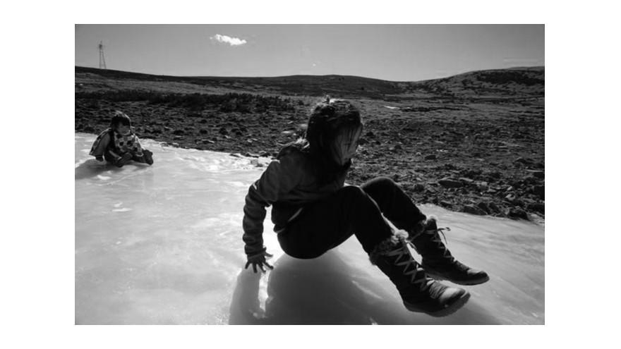 路面结冰走到哪里都滑倒-防滑胶带来解救你【昆山玉寰】