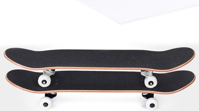 滑板需不需要防滑贴纸?新人滑板小知识