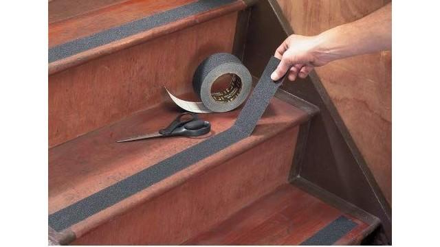 楼梯防滑胶带用什么粘上?免上胶直接用!