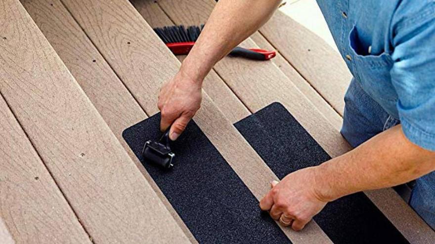 防滑胶带怎么贴不易翘?一张图片给你解答